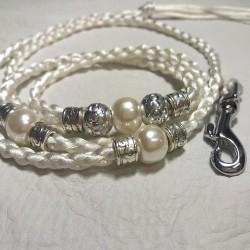 Valkoinen satiinitalutin, silver